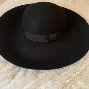 😍 2 for $25 😍 NWOT FLOPPY HAT WITH BOW